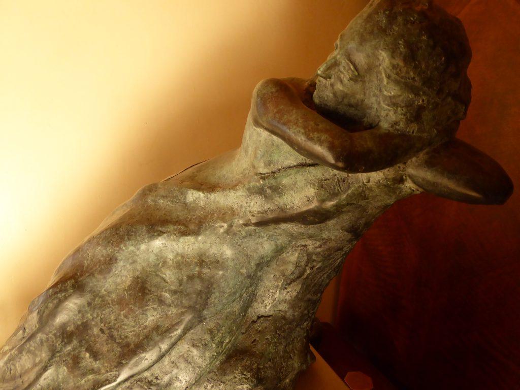 L'attente Latente - 1er prix concours home de Salavaux Bronze sur socle calcaire du Jura 2011